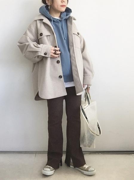 CPOジャケット×茶色パンツの冬コーデ