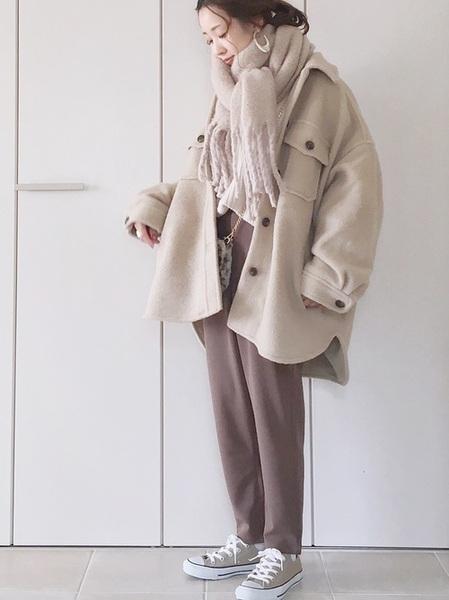 ボリュームマフラー×茶色パンツの冬コーデ