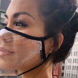 ヴィトン、10万円のフェイスシールド販売へ。透明マスクが海外で流行