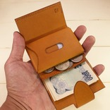 【今なら30%オフ】牛革ミニマル財布。ポップアップショップで実物も触れるよ