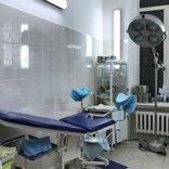 引っ張った赤ちゃんの頭が分娩室の床を転がり… 小さな命への医療過誤が発生