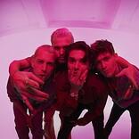 ザ・ヴァンプス、新アルバム『チェリーブロッサム』で2作目の全英1位獲得