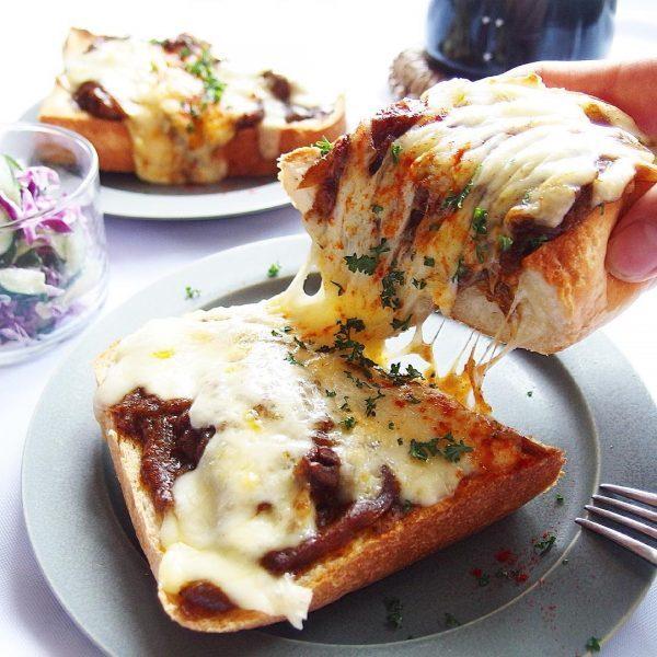 人気のチーズカレートースト