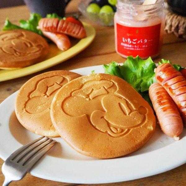 パンケーキとウインナーの朝ごはんプレート