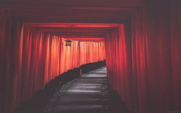 一度は行きたい日本の「伏見稲荷大社」