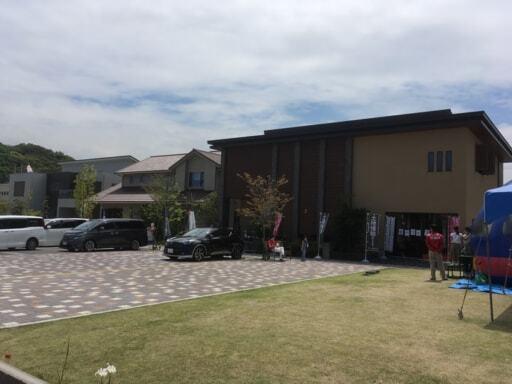 モデルハウスが立ち並ぶ住宅展示場