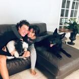 """犬アレルギーを克服したショーン・メンデス、キュートな子犬の""""パパ""""に"""