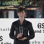 「SUITS OF THE YEAR 2020」鈴木保奈美が、日本人女性として初受賞