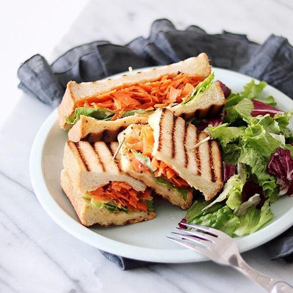 野菜たっぷり!キャロットラペサンドイッチ
