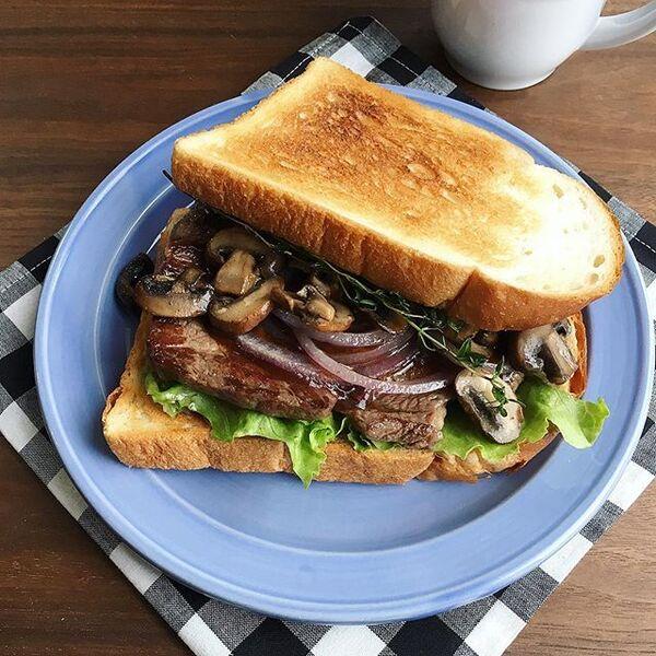変わり種の種類!ステーキサンドイッチ