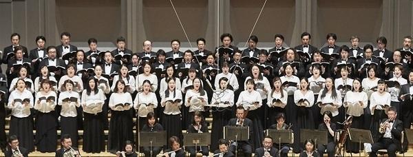 新国立劇場合唱団  (C)上野隆文