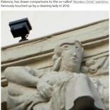 伝統ある彫像が「4コマ漫画風」に スペインで続く修復ミスに「法改正を」の声も