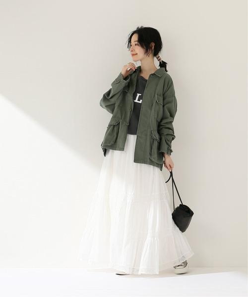 ミリタリージャケット×レディース白スカート