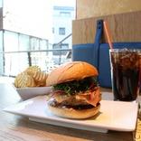 「UMAMI BURGER®︎」がグランドメニューをリニューアル!改良を重ねたこだわりのバーガーを実食!