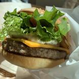 【実食レポ】フレッシュネスバーガー冬の新作は「神戸牛」と「大豆」⁉