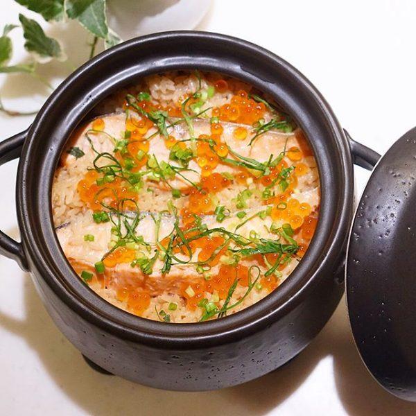 豪華な鮭の炊き込みご飯レシピ