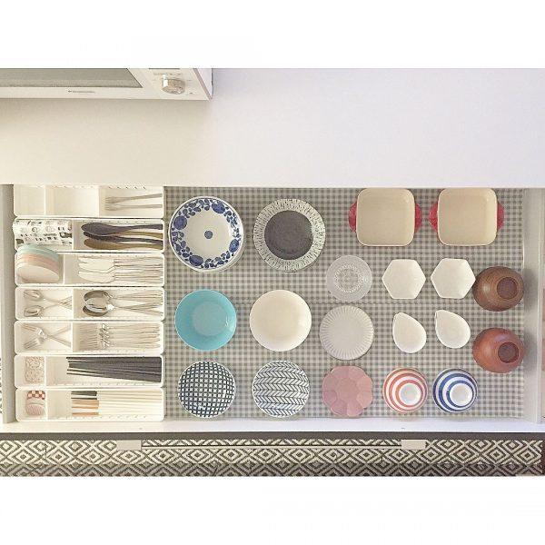 豆皿や茶碗の見せるキッチン収納方法
