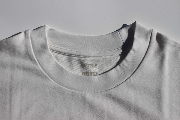 UNIQLOU_ヒートテックTシャツ 首元
