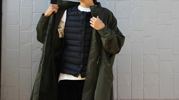 UNIQLOU_ヒートテックTシャツに無印良品のインナーダウンベスト、ミリタリーコートを着用