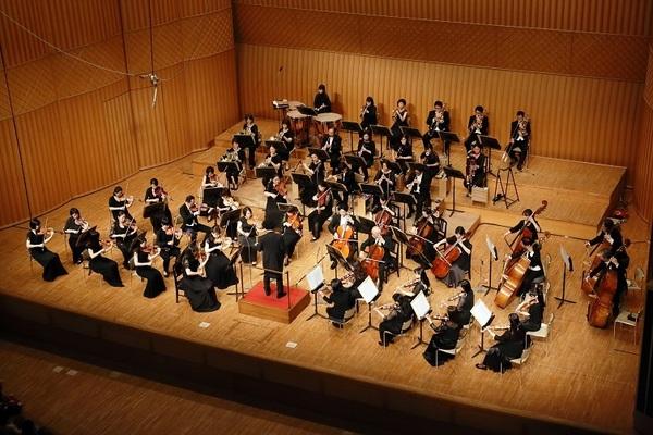 写真提供:ザ・カレッジ・オペラハウス管弦楽団