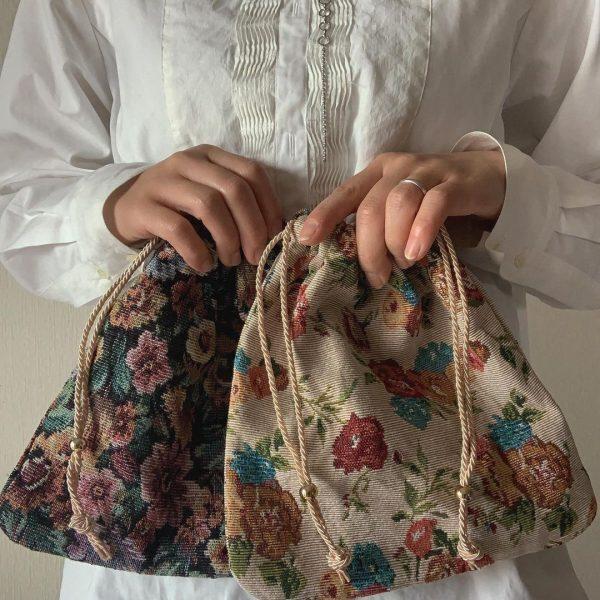 ゴブラン織りポーチ