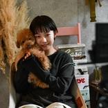 モデル・とみいさんと、愛犬ちゃちゃまると、ときどきセレクト小物。撮影もおこなう、遊び心に溢れた1Kのお部屋(東京)|みんなの部屋