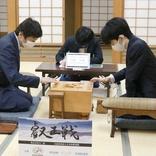 藤井聡太2冠 3度目の師弟対決制す「下座に座るつもりだった」けど…杉本師匠が気遣い