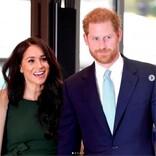 ヘンリー王子・メーガン妃夫妻、クリスマスツリー購入でファームへ ヘンリー王子は従業員に間違われる場面も