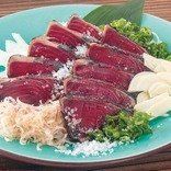【格安食べ放題】お店で焼き上げ「藁焼きカツオタタキ」を、驚きの安さで好きなだけ!!