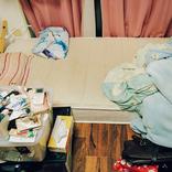 コロナ貧困女子、汚部屋1LDKで3人が生活。月収は減りストレスは限界