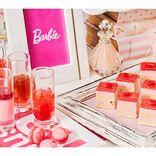 「バービー」コラボでピンクづくし♪ スイーツ食べ放題『ストロベリーホリック~Barbie in Paris~』開催