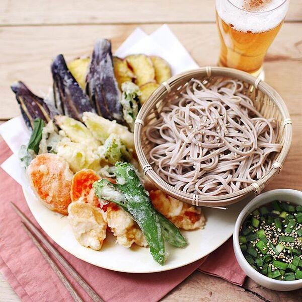 野菜たっぷり!天ぷら盛り合わせそば