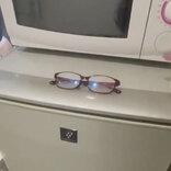 何度も冷凍庫に舞い戻る『メガネの謎』 女性が気付いた真相が…こちらです
