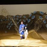 新作歌舞伎『風の谷のナウシカ』DVD&BD発売記念として、ユパ(尾上松也)と王蟲(声・市川中車)の名シーンが公開