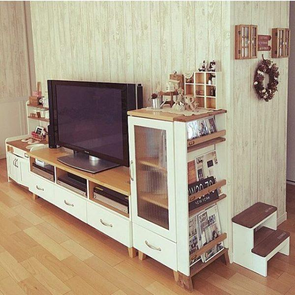 ツートンカラーの手作り本棚