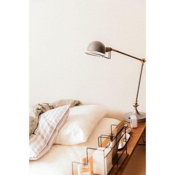 シンプルな寝床でリラックス