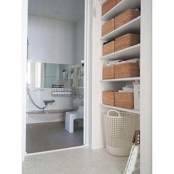 無印の収納かごで揃えた洗面所