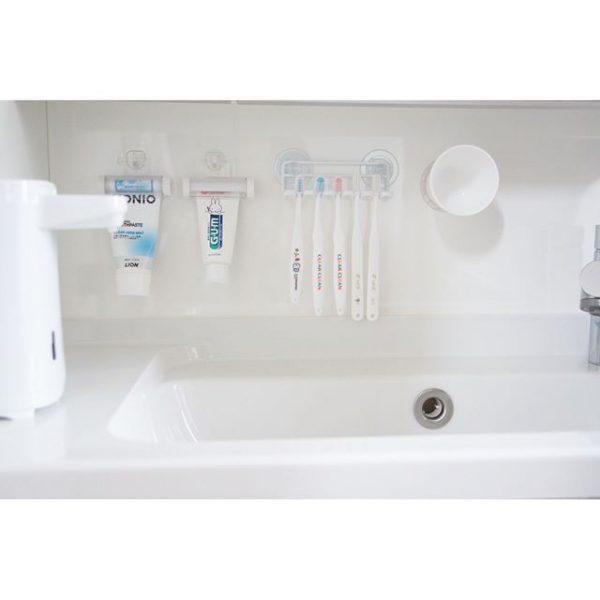 歯磨き粉と歯ブラシを浮かせる収納