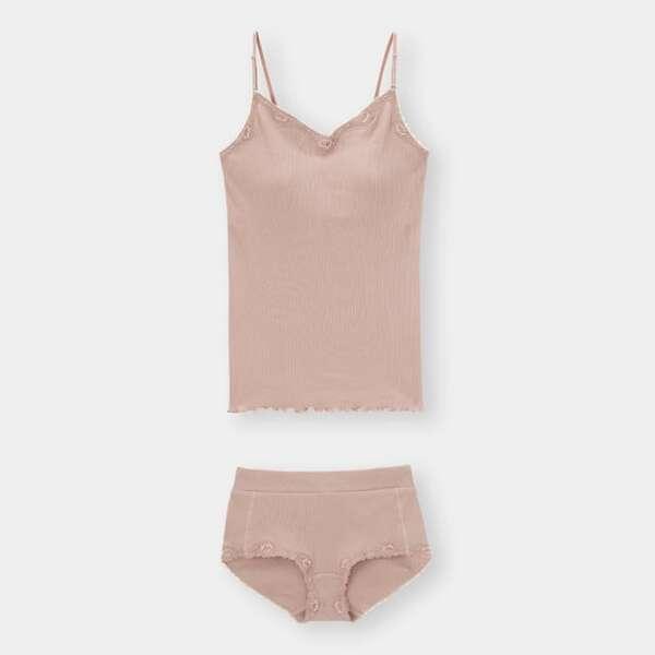 GUのピンクのリラックスキャミソール&ショーツセット