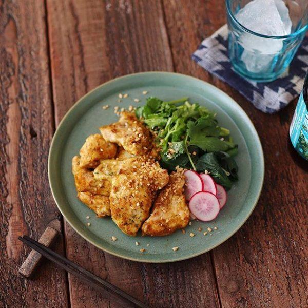 簡単な洋食!鶏むね肉のカレーグリル