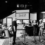 ビー・ジーズのバリー・ギブ、ドリー・パートンとのコラボ「ワーズ」を公開