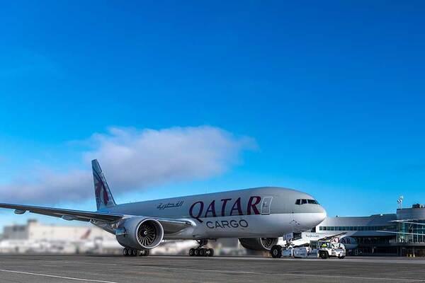 カタール航空(ボーイング777F)