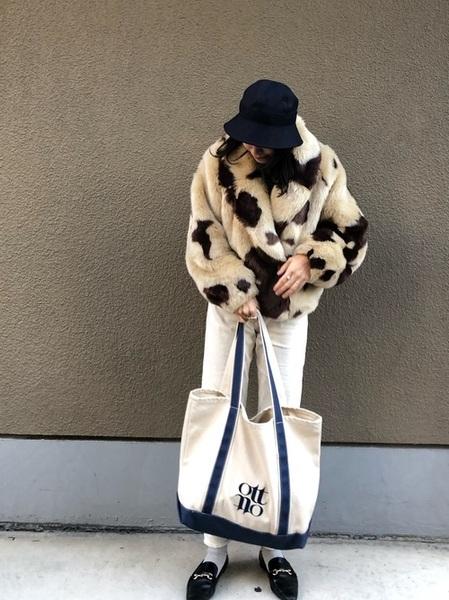 [TIARA] YANUK×金子綾さんコラボ ハイウエストストレートデニム