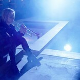 YOSHIKI、トランペットで「Forever Love」を演奏する映像を公開