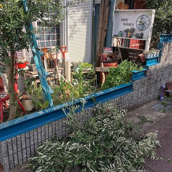 H鋼とブロックで半オープンな庭の目隠し