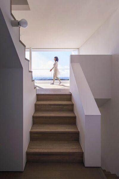 デザイン性が高いおしゃれな階段6