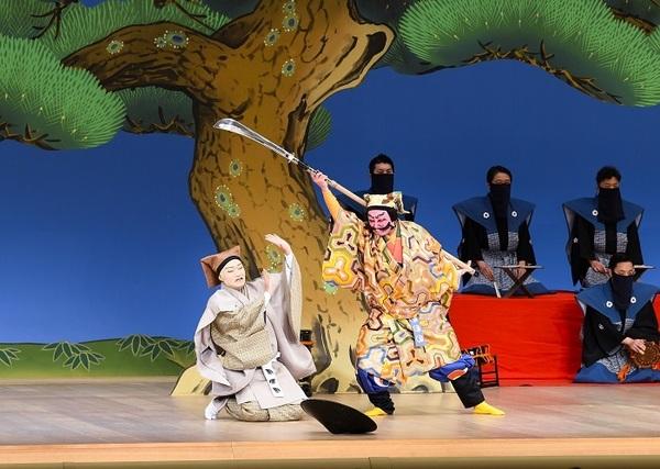第一部『悪太郎』(左より)修行者智蓮坊=中村福之助、悪太郎=市川猿之助 /(C)松竹