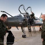 フランスのミラージュ2000D戦闘機 近代化改修1号機を受領
