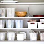 【100均】キッチン吊り戸棚の収納術!狭い空間をスッキリとさせる便利グッズ♪