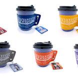 『ヒプマイ』アクリルチャーム付きスリーブ登場!これは…朝のコーヒータイムも午後のティータイムも至福なひと時にしてくれるやつじゃないですか…!